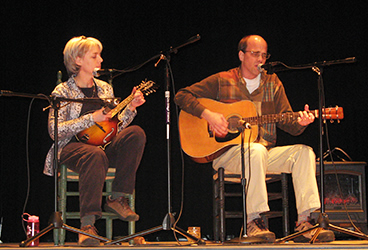 Toni and Steve Roberts performing at Palace Theater, Crossville